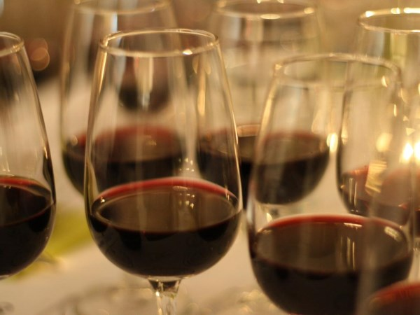 Let's taste and discover the wine